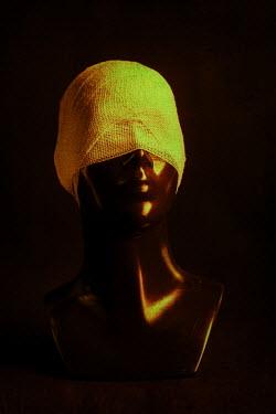 Magdalena Russocka head of mannequin blindfolded with bandage