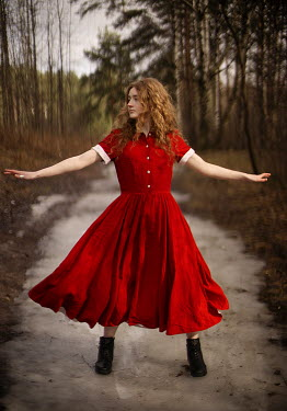 Alexandra Bochkareva WOMAN WITH RED HAIR AND DRESS IN COUNTRYSIDE