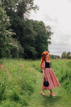 Rebecca Stice MEDIEVAL WOMAN IN SUMMERY COUNTRYSIDE