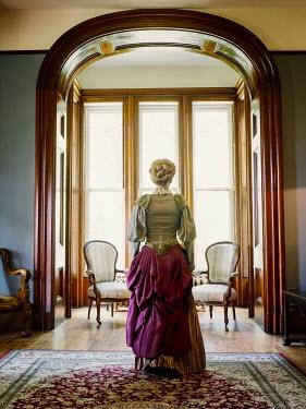 Elisabeth Ansley BLONDE HISTORICAL WOMAN INSIDE HOUSE