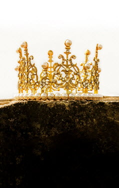 Stephen Mulcahey ORNATE GOLDEN CROWN WITH PEARLS