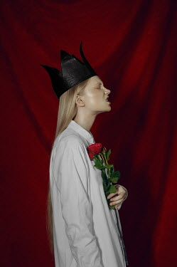 Natasha Yankelevich BLONDE GIRL WITH ROSES AND CROWN