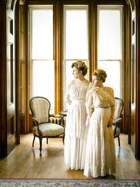 Elisabeth Ansley TWO HISTORICAL WOMEN IN HOUSE BY WINDOWS