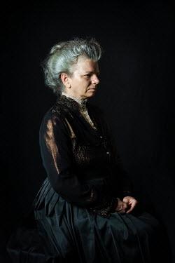 Natasza Fiedotjew old edwardian woman in black