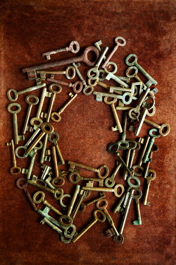 Kerstin Marinov COLLECTION OF KEYS FROM ABOVE