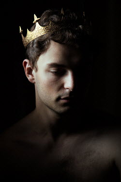 Magdalena Russocka young man wearing golden crown