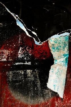 Ute Klaphake Peeling paper on wall