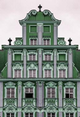 Jaroslaw Blaminsky Green building