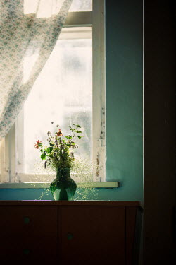 Natasza Fiedotjew dry bouquet of flowers in cottage house