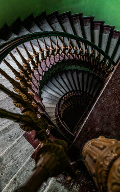 Jaroslaw Blaminsky WOODEN AND METAL STAIRCASE FROM ABOVE