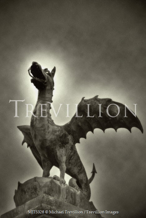 Michael Trevillion DRAKE STATUE Statuary/Gravestones