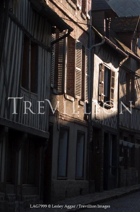 Lesley Aggar SUNLIGHT HITTING HOUSES Streets/Alleys