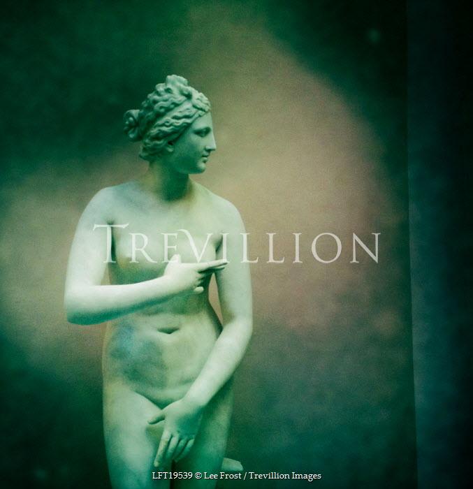 Lee Frost Nude statue of woman Statuary/Gravestones