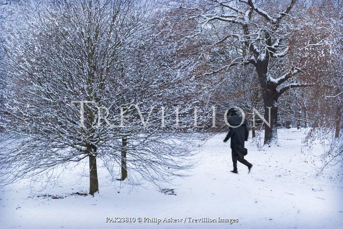 Philip Askew MAN IN TOP HAT WALKING IN SNOW Men