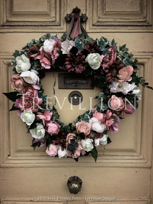 Harry Pettis WREATH OF ROSES ON DOOR Flowers/Plants