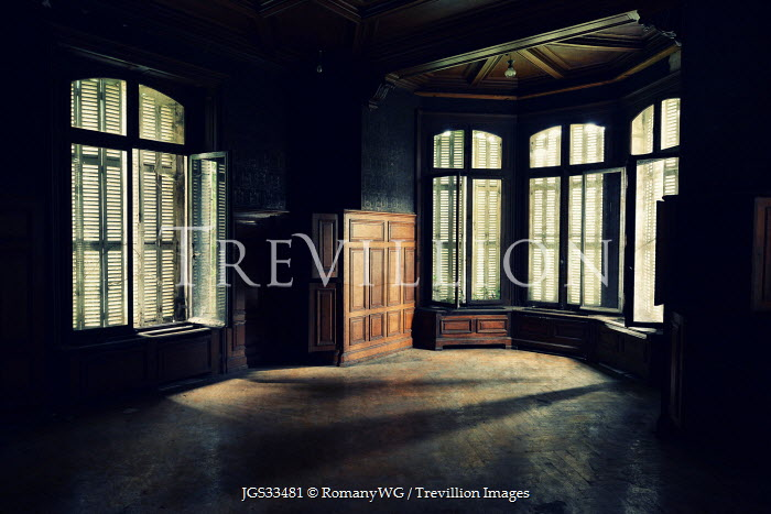 RomanyWG EMPTY INTERIOR OF OLD HOUSE Interiors/Rooms