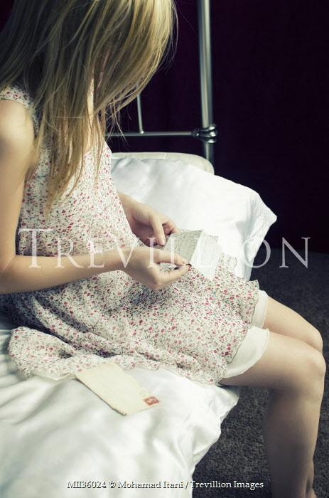 Mohamad Itani WOMAN ON BED READING LETTER Women