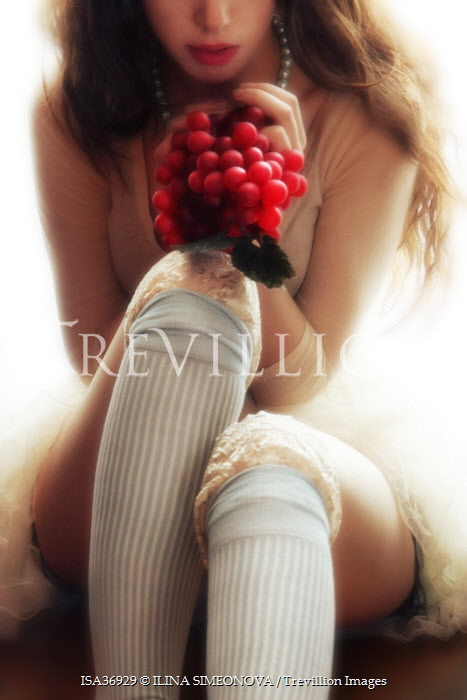 ILINA SIMEONOVA GIRL HOLDING RED GRAPES Women