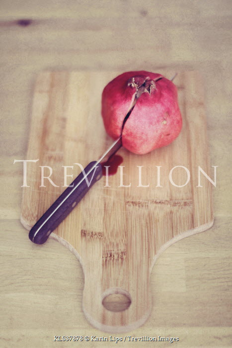 Karin Lips KNIFE CUTTING POMEGRANATE Miscellaneous Objects