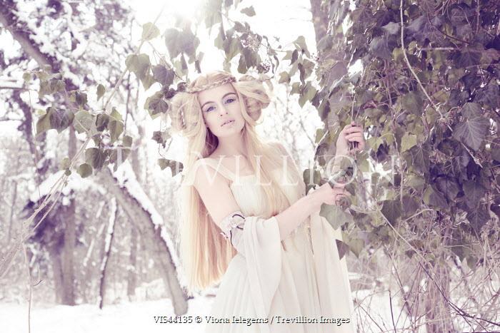 Viona Ielegems FANTASY WOMAN IN SNOWY WOOD Women