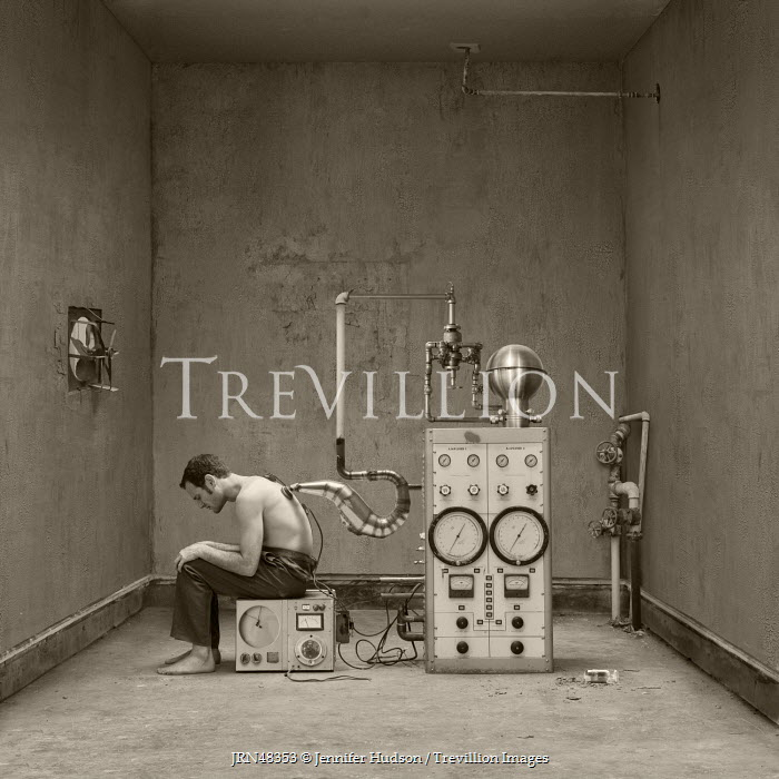 Jennifer Hudson MAN SITTING BY RETRO MACHINE Men