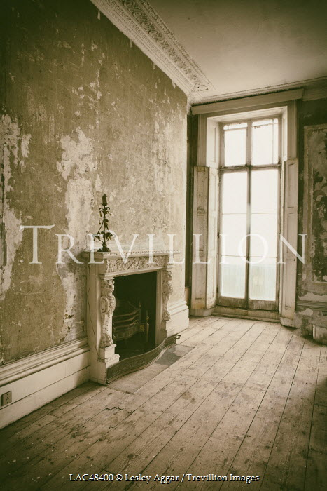 Lesley Aggar DERELICT GRAND ROOM Interiors/Rooms