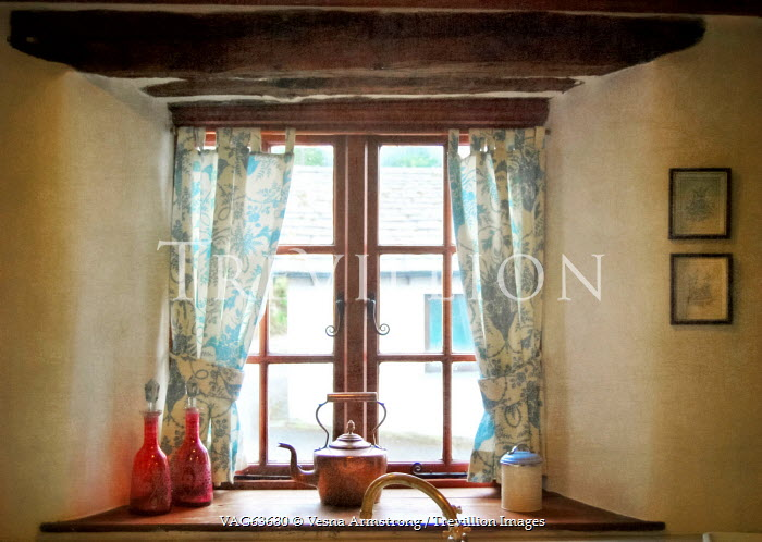 Vesna Armstrong VINTAGE COUNTRY COTTAGE WINDOW Interiors/Rooms