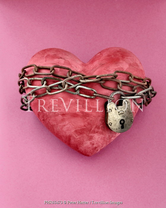 Peter Hatter HEART WRAPPED IN CHAIN AND PADLOCK Miscellaneous Objects