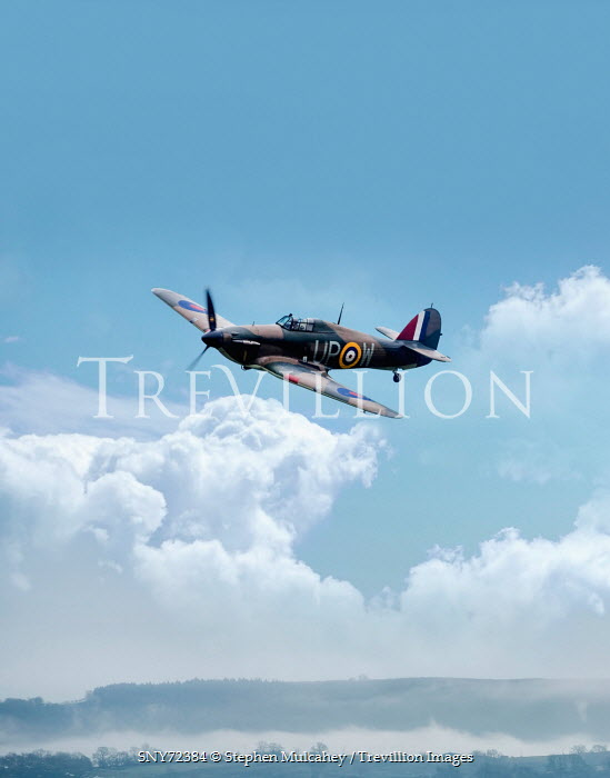 Stephen Mulcahey 1940S AEROPLANE FLYING THROUGH CLOUDS Miscellaneous Transport