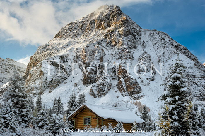 Viktoria Haack WOODEN CABIN BY SNOW COVERED MOUNTAIN Houses