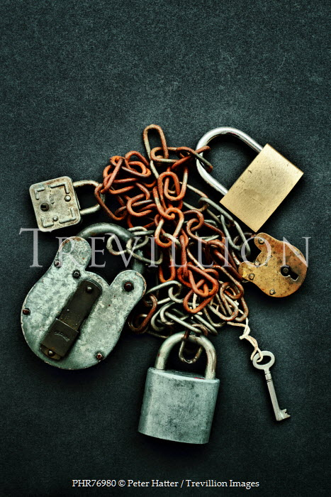 Peter Hatter RUSTY METAL CHAINS, PADLOCKS AND KEY Miscellaneous Objects