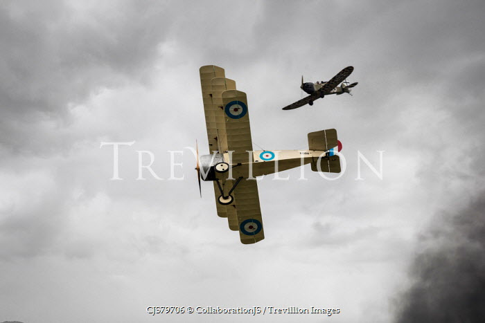 CollaborationJS two ww1 aeroplanes in dogfight Miscellaneous Transport