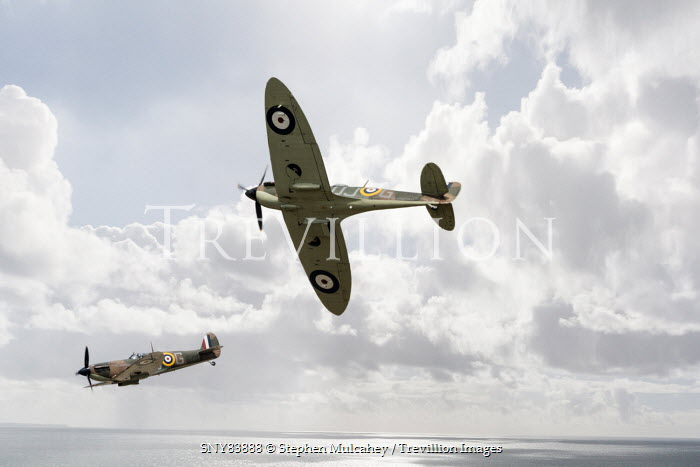 Stephen Mulcahey TWO 1940S PLANES FLYING OVER SEA Miscellaneous Transport
