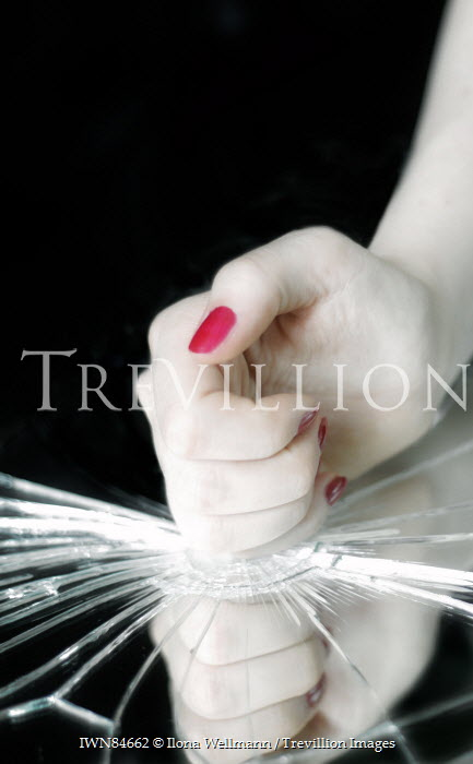 Ilona Wellmann WOMAN WITH RED NAILS SMASHING GLASS Body Detail