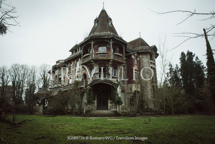 RomanyWG SPOOKY GOTHIC HOUSE IN COUNTRYSIDE Houses