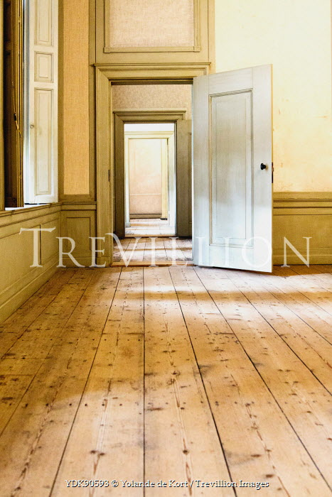 Interiors/Rooms
