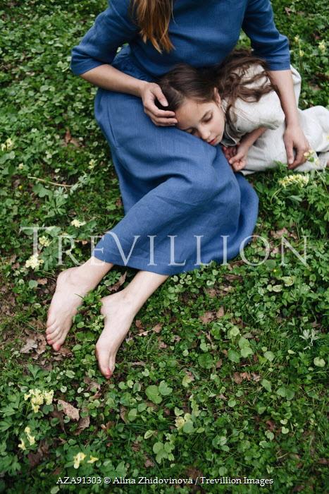 Alina Zhidovinova YOUNG CHILD WITH ADULT WOMAN Women