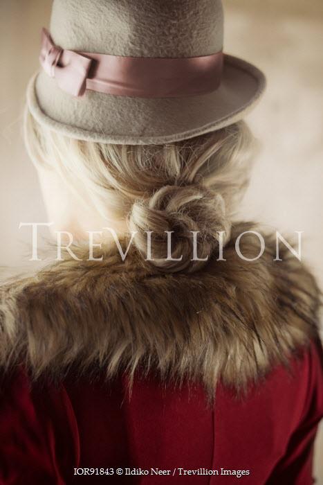 Ildiko Neer Retro woman in hat and fur collar Women