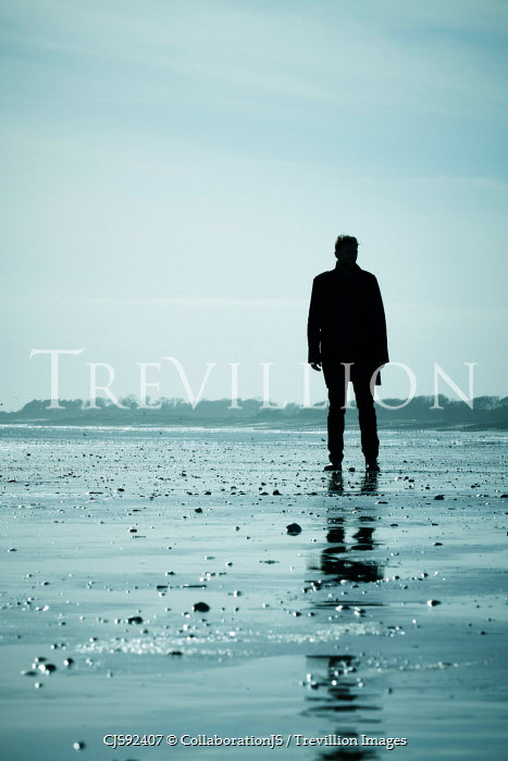 CollaborationJS SOLHOUETTED MAN STANDING ON BEACH Men