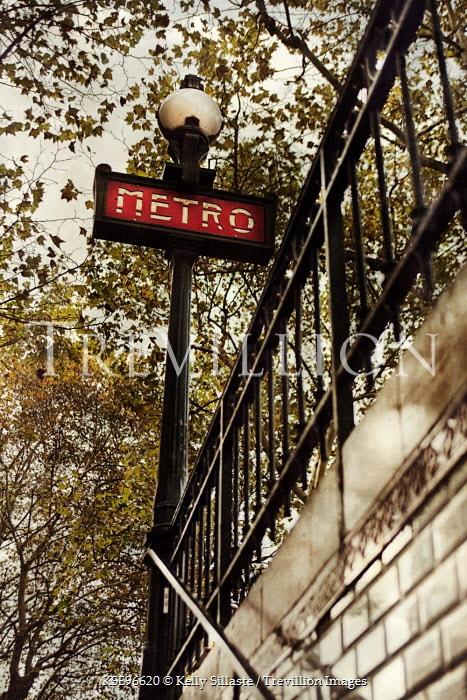 Kelly Sillaste PARIS METRO SIGN Miscellaneous Cities/Towns
