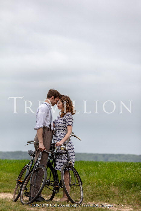 CollaborationJS INTIMATE RETRO COUPLE WITH BIKES Couples