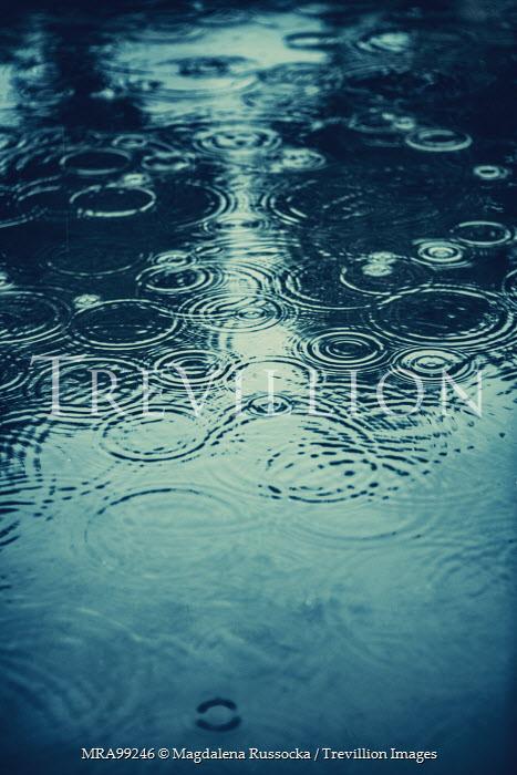 Magdalena Russocka rain drops falling on water