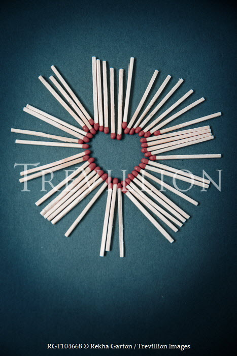 Rekha Garton HEART-SHAPED CIRCLE OF MATCHES Miscellaneous Objects