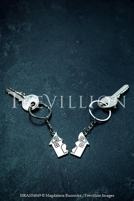 Magdalena Russocka divided house key rings with keys