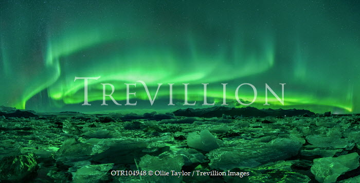 Ollie Taylor NORTHERN LIGHTS WITH ICY LANDSCAPE Snow/ Ice