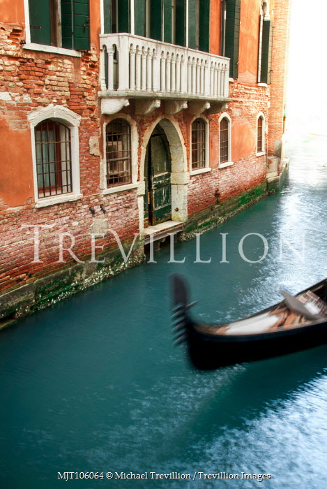 Michael Trevillion GONDOLA OUTSIDE OLD BUILDING WITH BALCONY Miscellaneous Cities/Towns