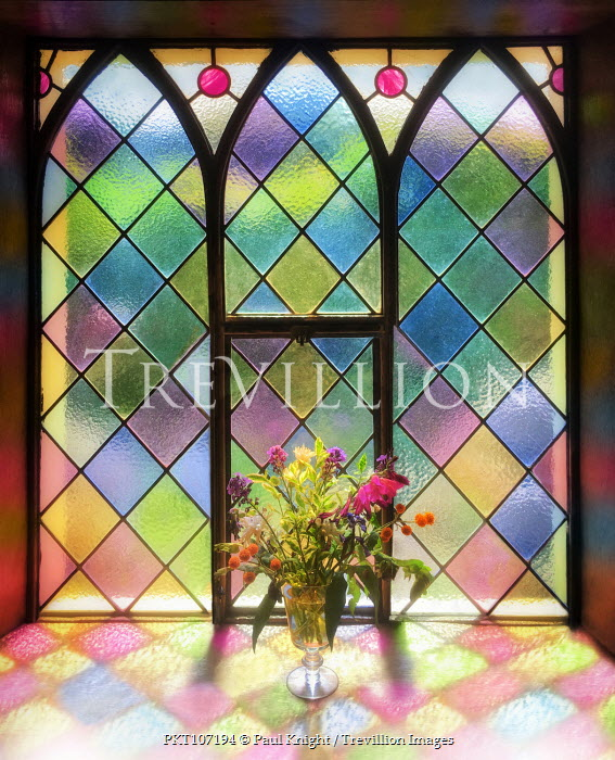 Paul Knight MULTICOLOURED STAINED GLASS WINDOW WITH FLOWERS Building Detail