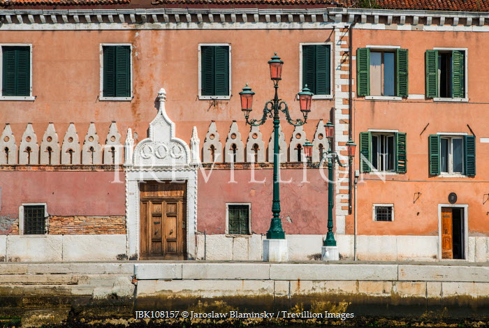 Jaroslaw Blaminsky VENETIAN HOUSES AND LAMPPOSTS Miscellaneous Cities/Towns