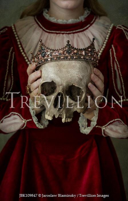 Jaroslaw Blaminsky Woman holding skull and crown Women