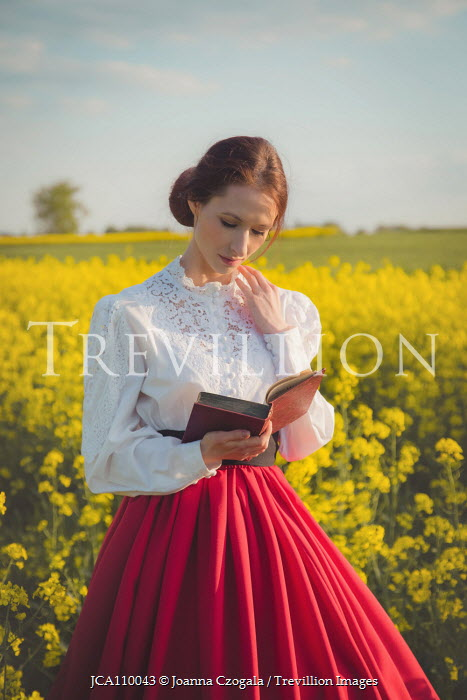 Joanna Czogala HISTORICAL WOMAN IN SUMMERY COUNTRYSIDE READING BOOK Women